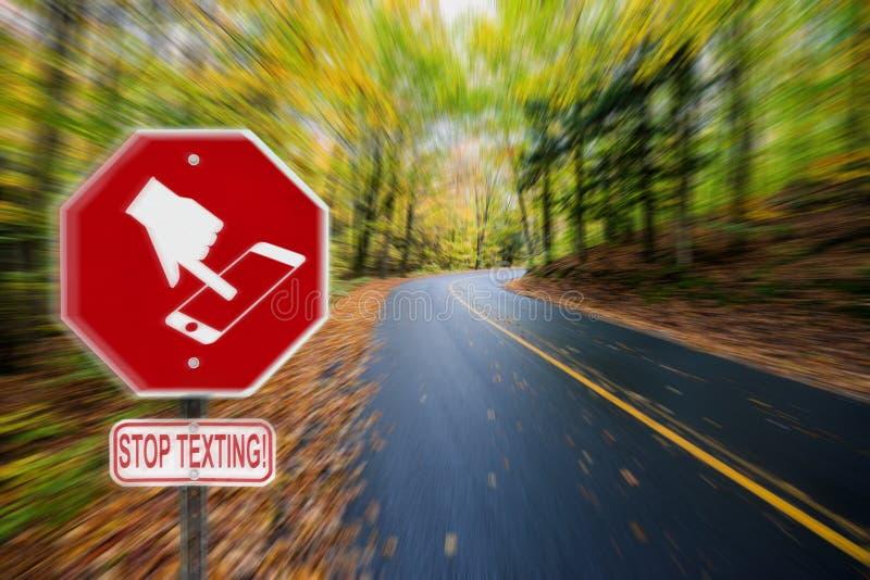 停止发短信给象标志-秋天乡下公路 免版税库存照片
