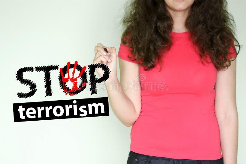 停止恐怖主义概念 贴现女孩桃红色购物口气 免版税库存照片