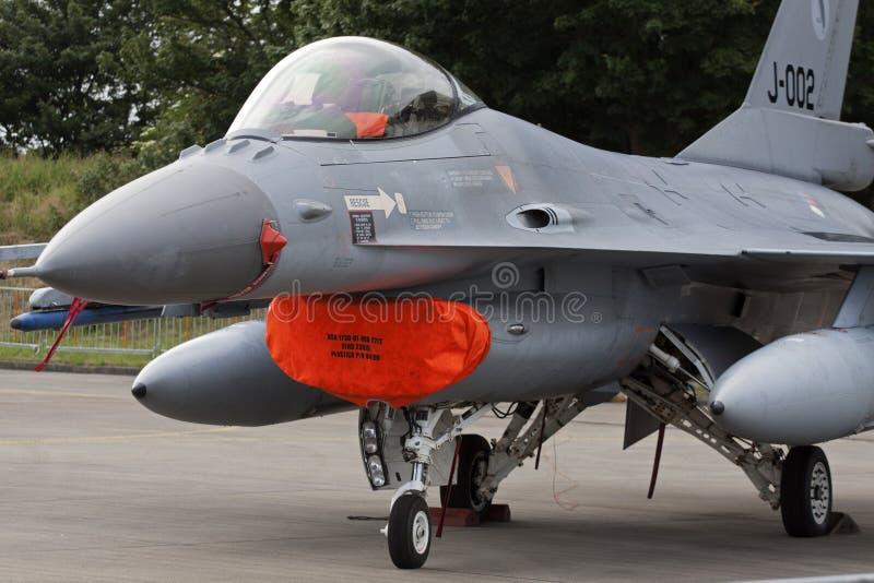 停车处F-16战斗机 免版税库存图片