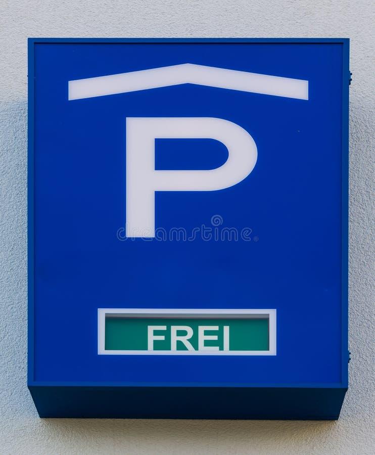 停车库标志德语自由斑点蓝色细节交通 图库摄影