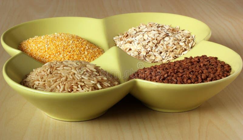 健康五谷和种子品种在碗 免版税库存照片