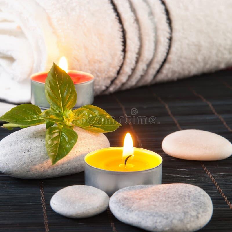 健康和与蜡烛的温泉概念 免版税图库摄影