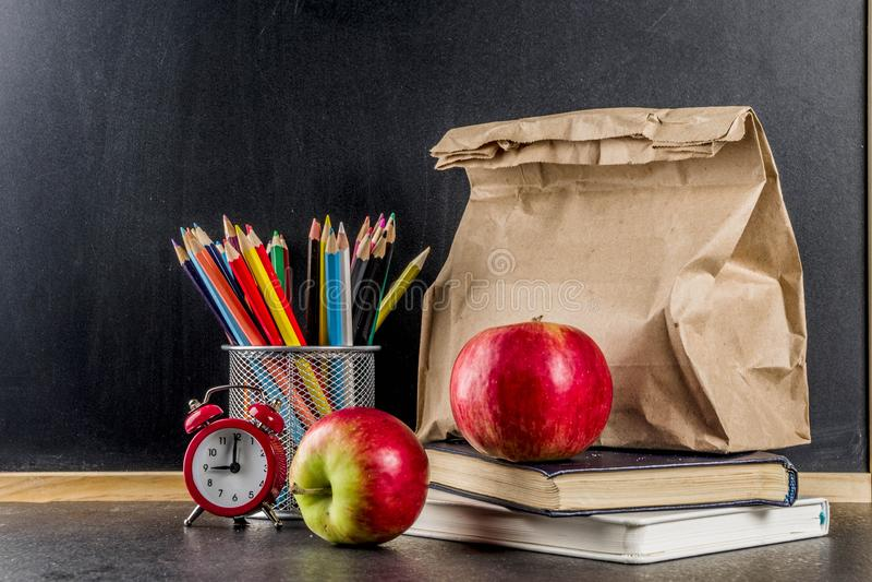 健康学校午餐概念 免版税库存图片