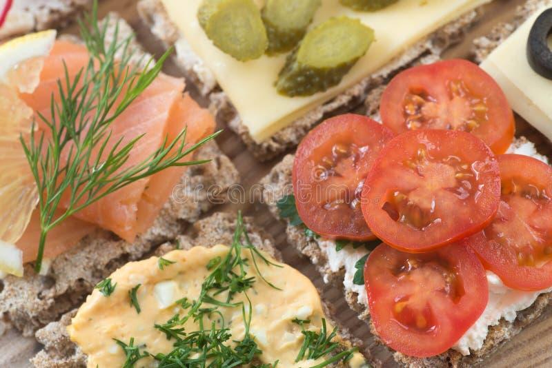 健康小单片三明治乳酪选择聚焦宏指令 图库摄影