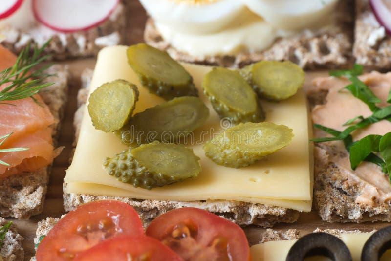 健康小单片三明治乳酪选择聚焦宏指令 库存照片