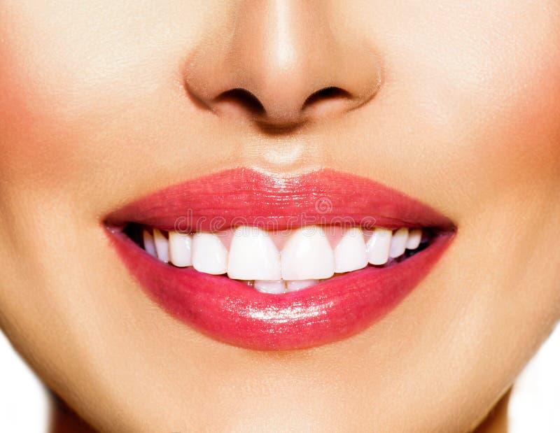 健康微笑。漂白的牙 库存图片