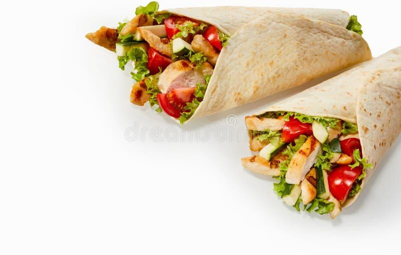 健康新鲜的鸡和沙拉套 免版税图库摄影