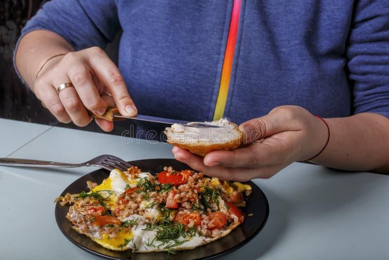 健康早餐面包,早餐,黄油,家,生活方式,膳食,早晨,营养,快餐,关闭 库存照片