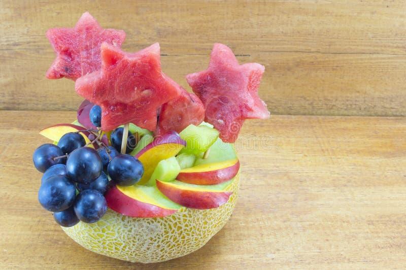 健康有吸引力的水果沙拉 免版税库存图片