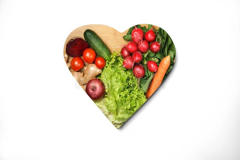 健康生活方式和医疗保健概念用食物,心脏 Keto饮食在白色背景的食品成分 顶视图,平的位置 库存照片