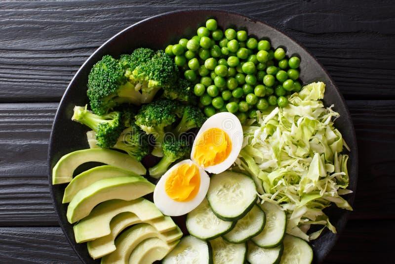 健康绿色食物:新鲜蔬菜鲕梨,豌豆,圆白菜, cuc 库存照片