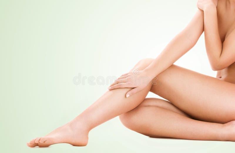 健康美好的妇女腿 免版税库存图片