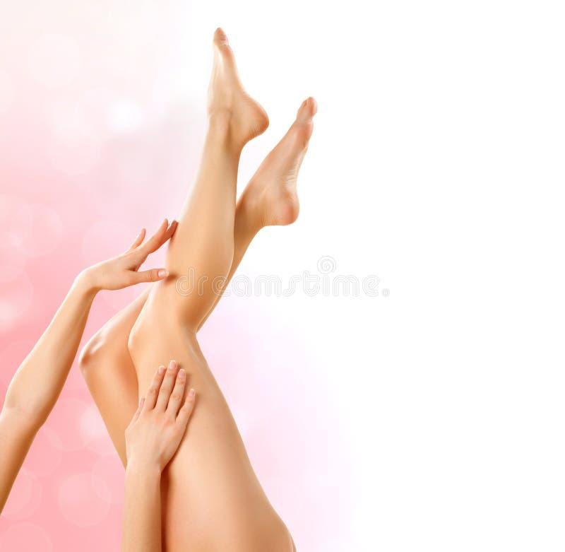 健康腿。温泉 免版税库存图片