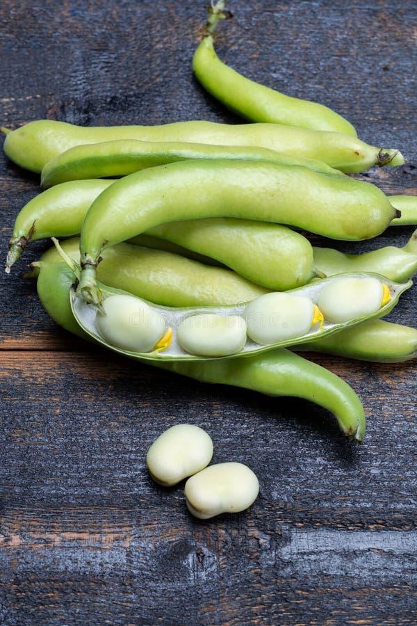 健康菜新的收获,绿色新鲜的未加工的大宽广的bea 库存照片