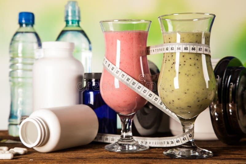 健康饮食、蛋白质震动和果子 库存图片