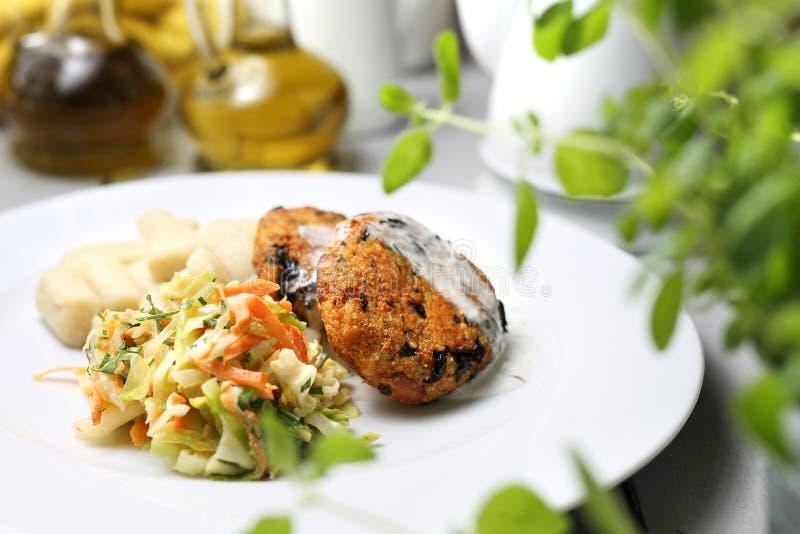 健康饮食,一顿素食晚餐 一顿鲜美菜晚餐 免版税图库摄影