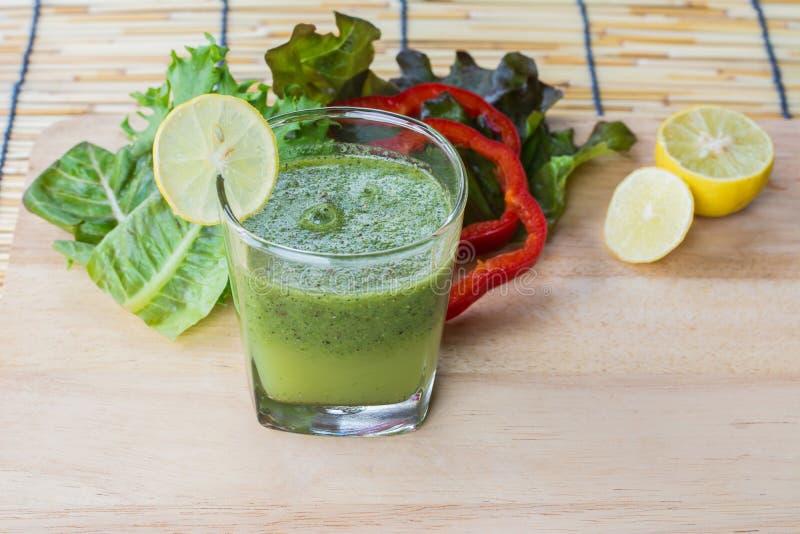 健康绿色圆滑的人 图库摄影