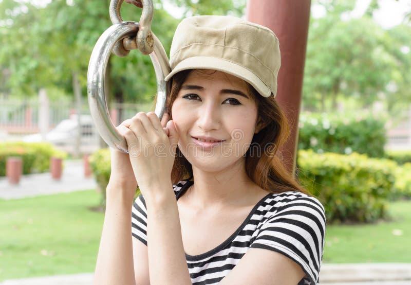 亚洲成人人网站_图片 包括有 执行, 健康, 成人, 锻炼, 适应, 培训, 夏天, 体育运动