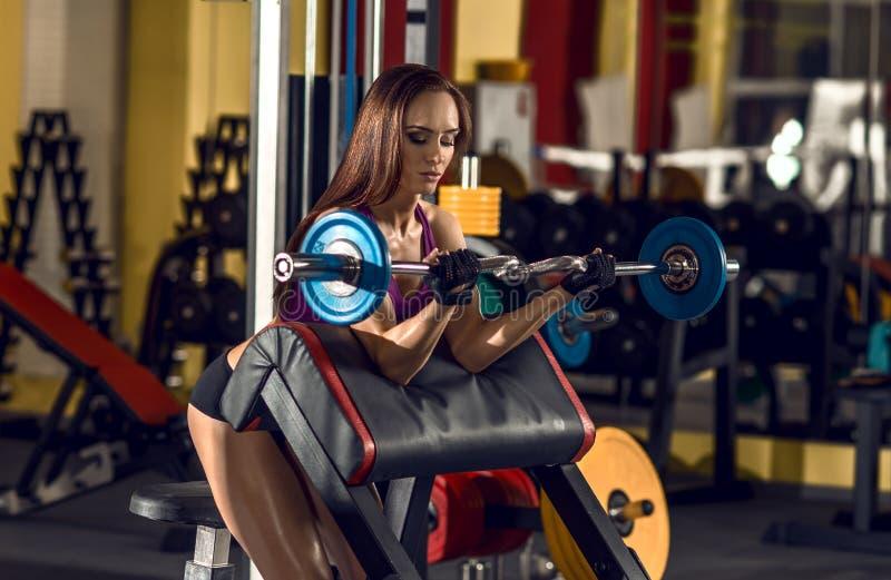健身妇女在体操方面 库存图片