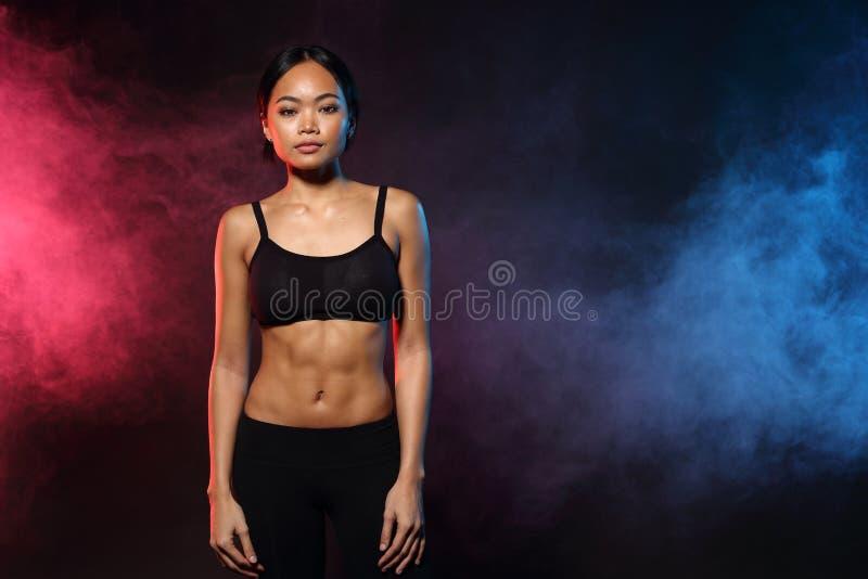 健身妇女,女孩能做强 免版税库存图片