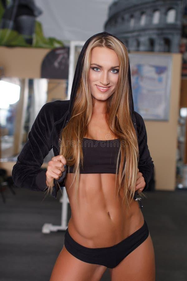 健身式样摆在健身房 库存图片
