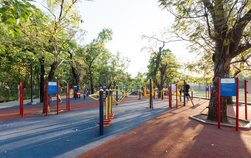 健身房在公园 免版税库存图片