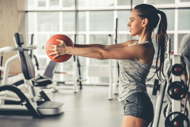 健身房的妇女 库存图片