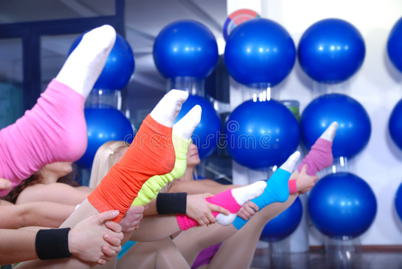 健身执行和五颜六色的袜子 免版税图库摄影