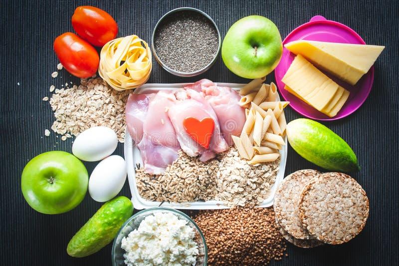 健身自然食物 营养和体育题材  免版税库存图片