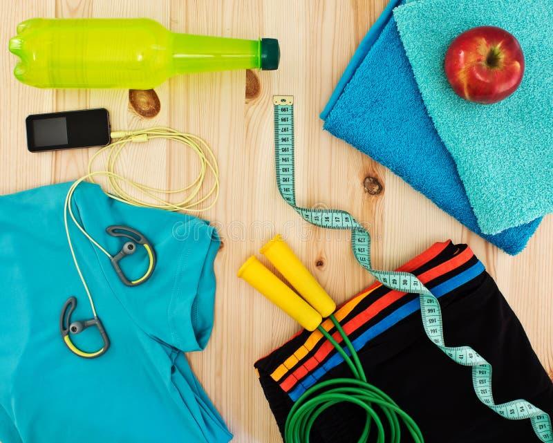 健身类的体育辅助部件 免版税库存图片
