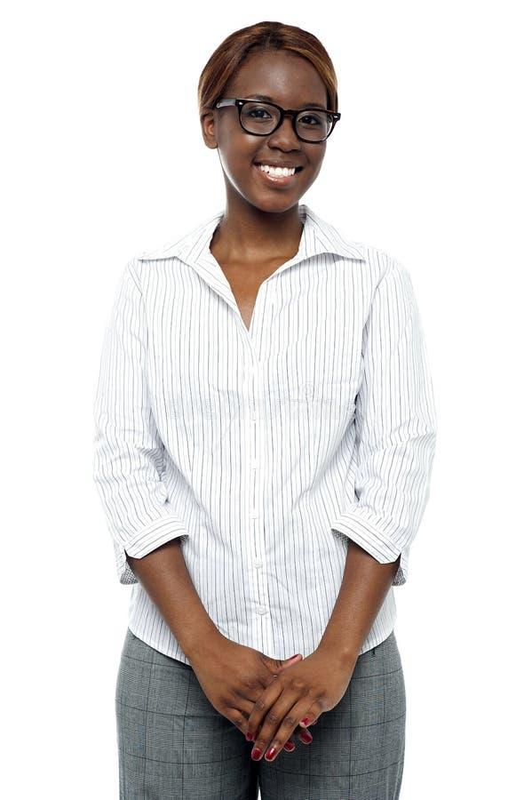 偶然非洲女实业家纵向  库存照片