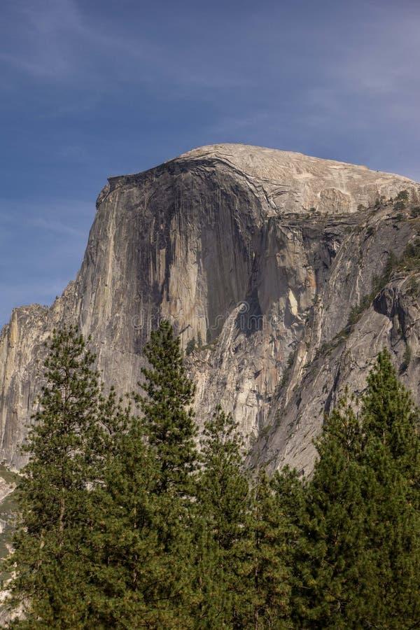 偶象半圆顶在优胜美地国家公园,加利福尼亚 免版税库存照片