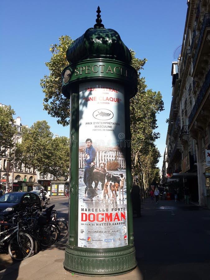 偶象广告栏在巴黎 图库摄影