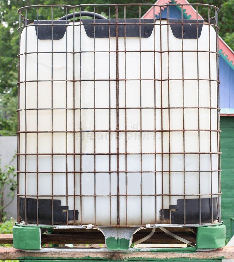 储水箱生产立方体,容器,塑料,立方体 免版税库存照片