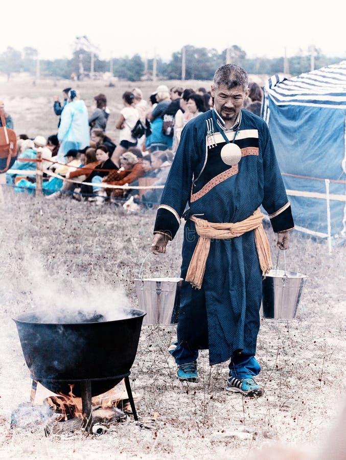 僧人每年国际汇聚贝加尔湖的,奥尔洪岛 免版税图库摄影