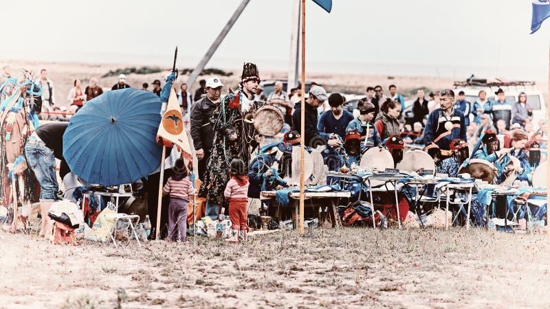 僧人每年国际汇聚贝加尔湖的,奥尔洪岛 免版税库存照片