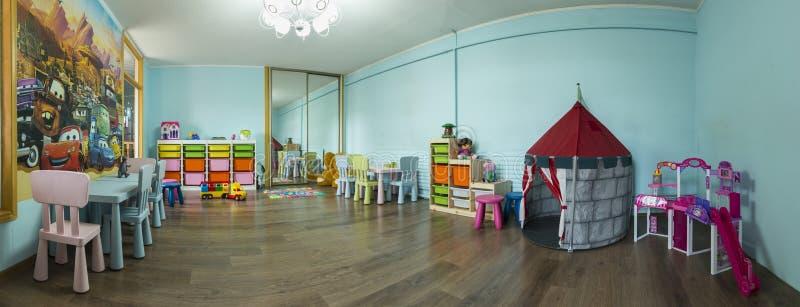 儿童与玩具的` s游戏室 免版税库存照片