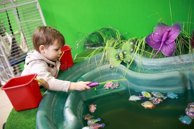 儿童传染性的玩具鱼 库存照片