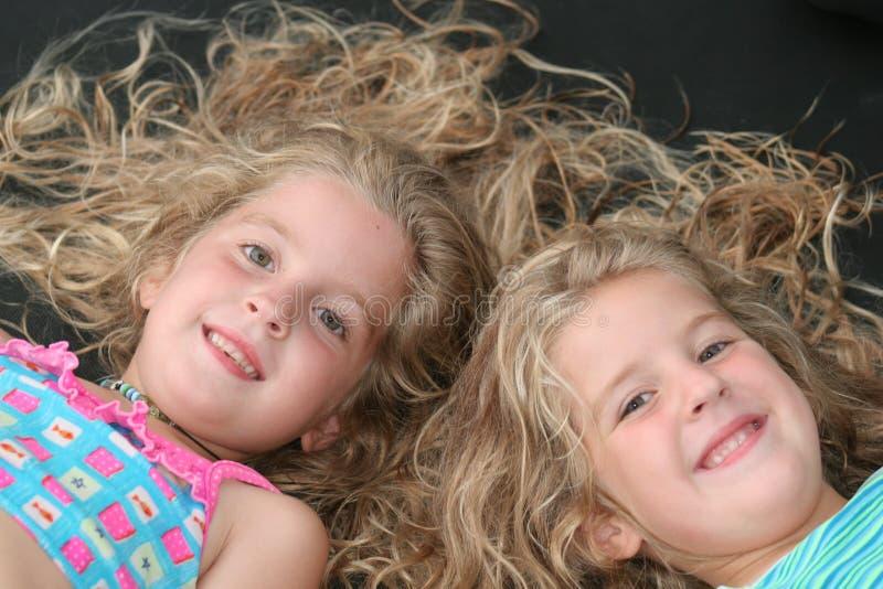 儿童同卵双生 库存照片