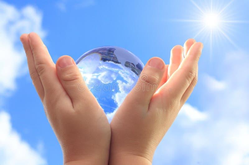 儿童地球现有量 图库摄影
