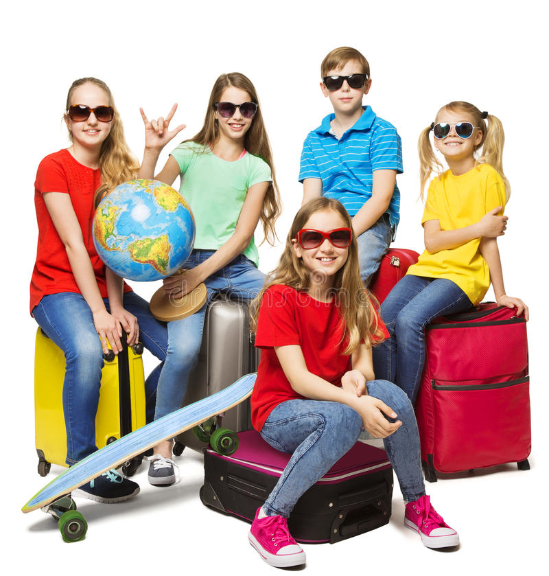 儿童夏天世界旅行,年轻学校学生阵营旅途 库存图片