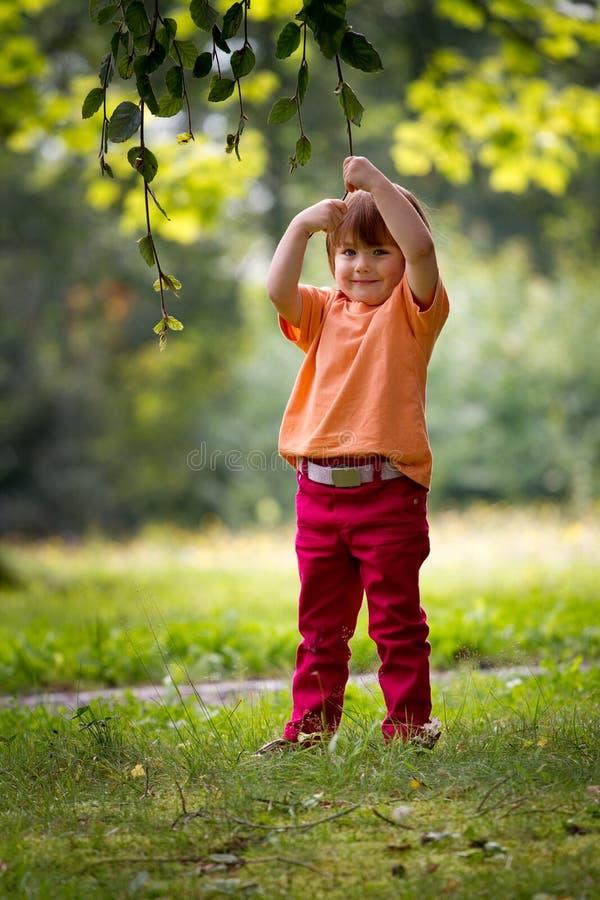 儿童外部使用 图库摄影