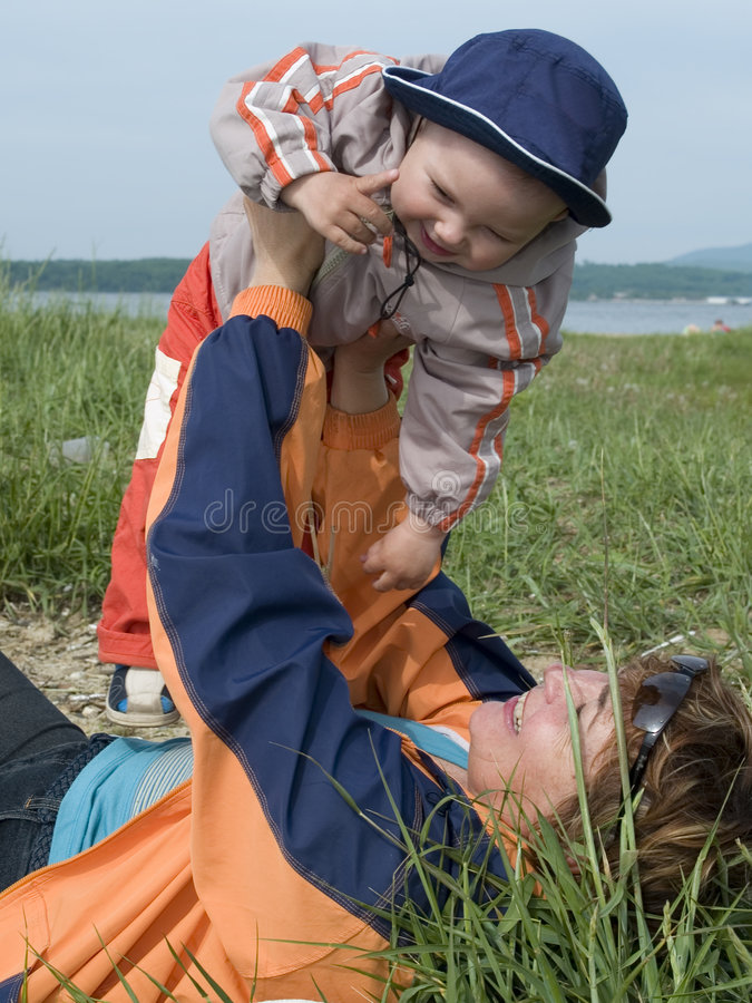 儿童母亲使用 免版税图库摄影