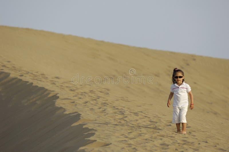 儿童沙漠 库存照片