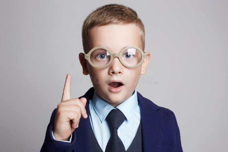 儿童滑稽的玻璃 天才孩子 库存图片