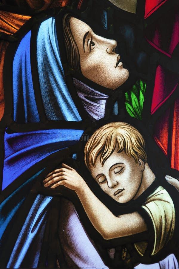 儿童玻璃母亲被弄脏 免版税库存照片