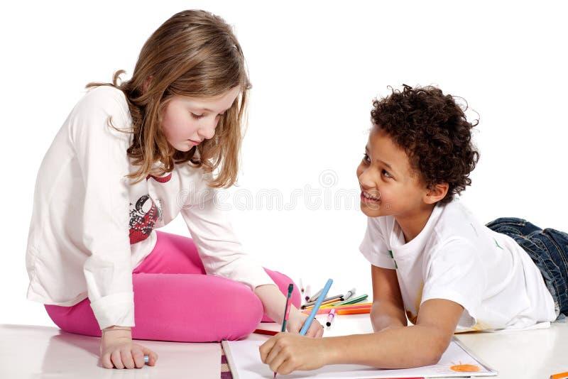 儿童画人种间一起 库存照片