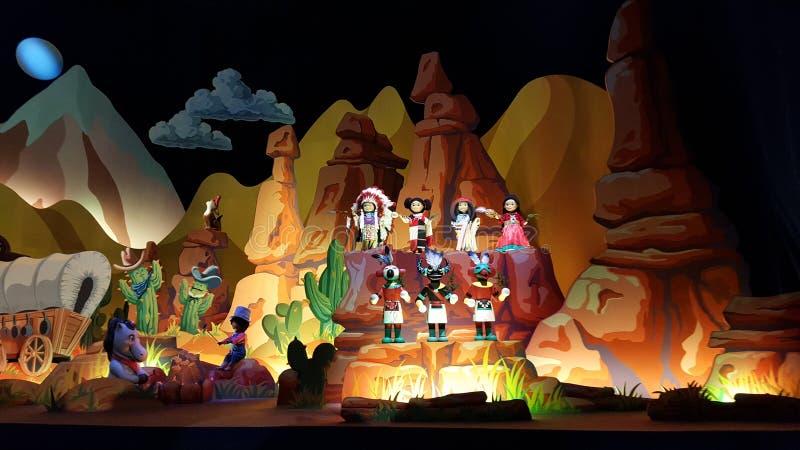 儿童的在迪斯尼乐园,巴黎的世界显示 库存图片