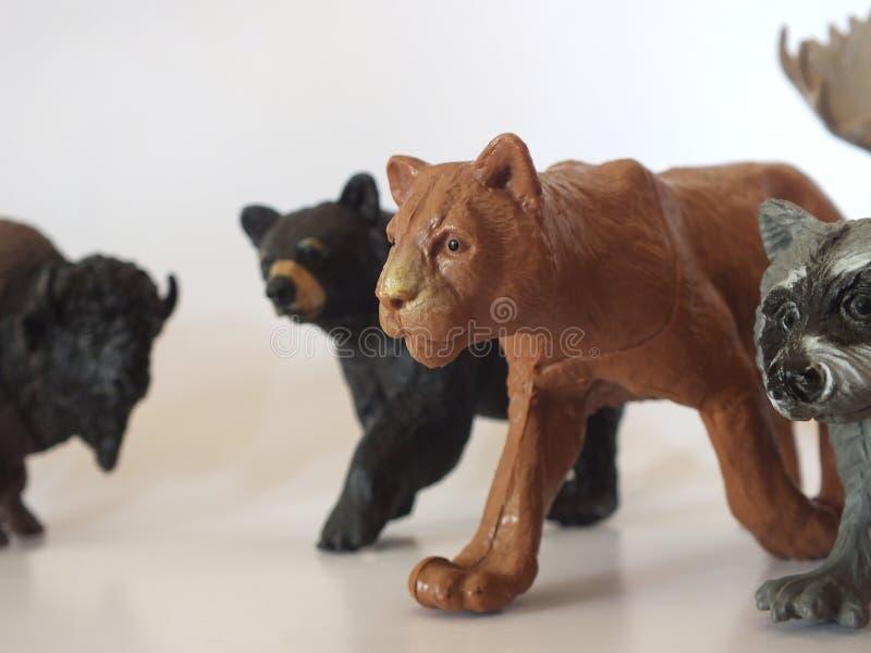 儿童的玩具动物在家 免版税库存图片