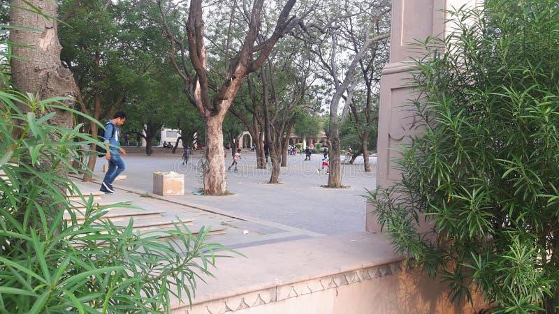 儿童的玩耍区域一大地面大门jawahar圈子sanganer斋浦尔 库存照片